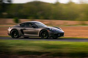 Reasons to buy luxury cars